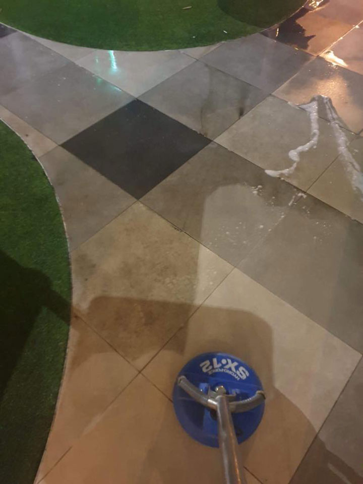 Cleaning Tiles & Grout